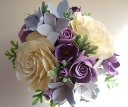 Show me all purple bridal bouquets photo 1942111-2