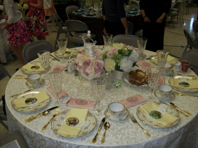 DIY Table Decorations for Spring Brunch I Do Weddings & Karleeu0027s blog: Another example of one of our exquisite beaded ...